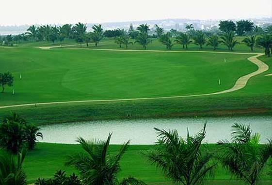 临近1500亩高尔夫球会 畅享挥杆乐趣